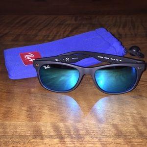 Ray-Ban Jr Wayfarer Mirrored BLK/BLU Sunglasses
